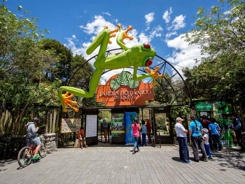 Botanic garden in Quito entrance