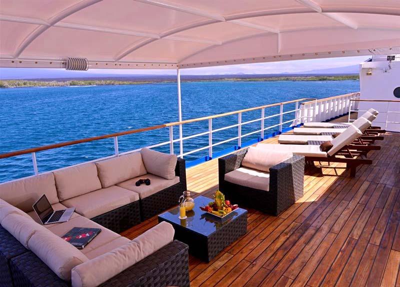 al fresco social area in experience cruise galapagos