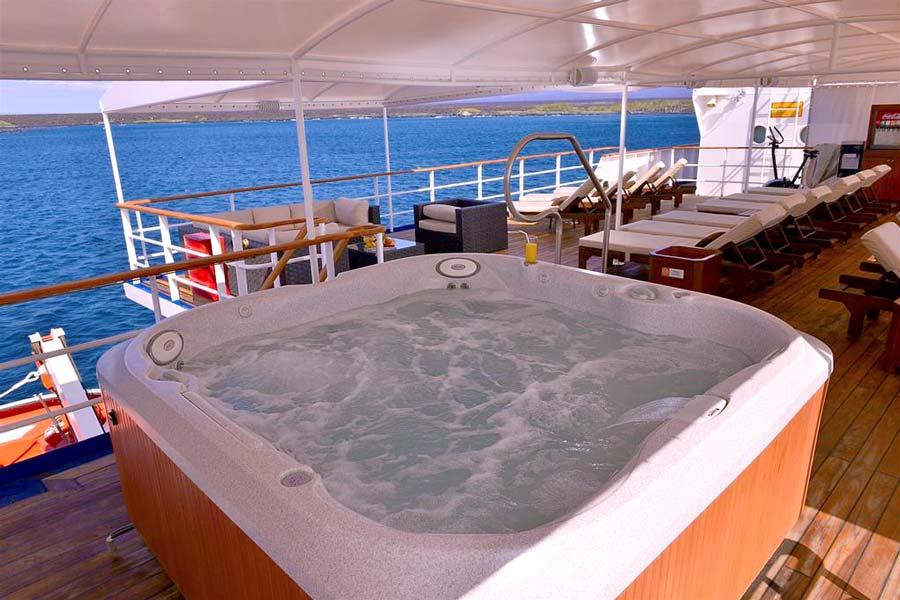 jacuzzi al fresco in celebrity experience cruise