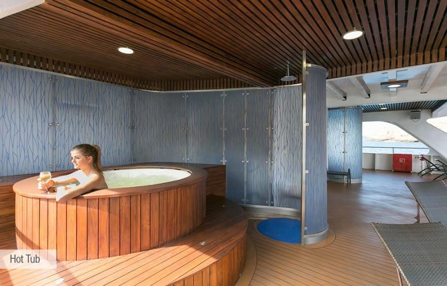 hot tub at santa cruz ii cruise galapagos