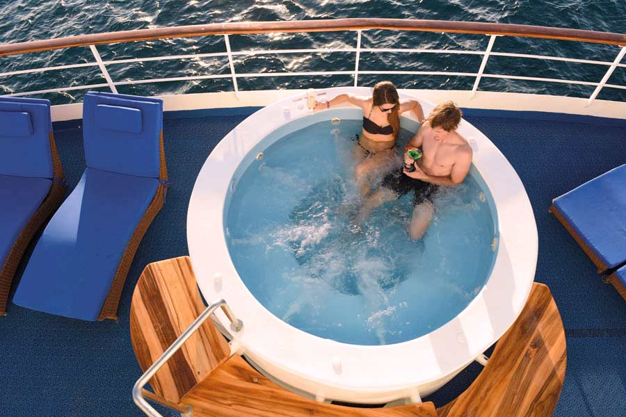 Jacuzzi in Galapagos Legend cruise 2020