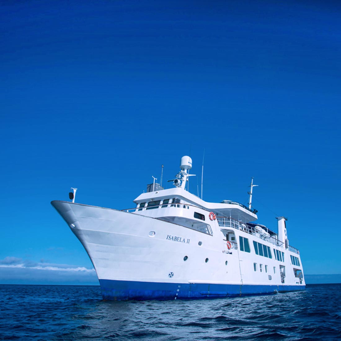Isabela II cruise yacht picture