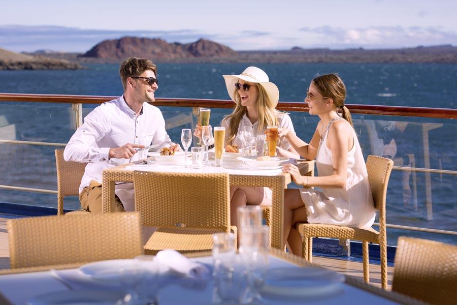 dining al fresco in isabela ii cruise 2019