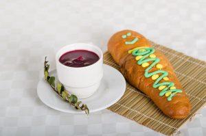 Colada morada y guagua de pan Ecuador