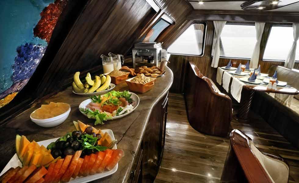 Dinning room at monserrat cruise galapagos
